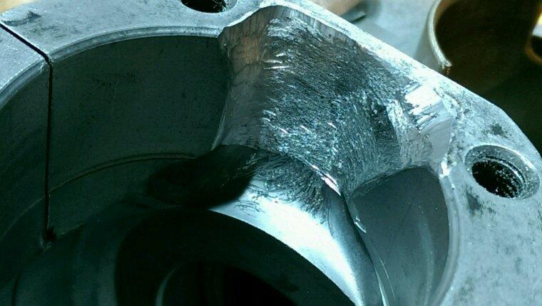 Réparer les carters moteur