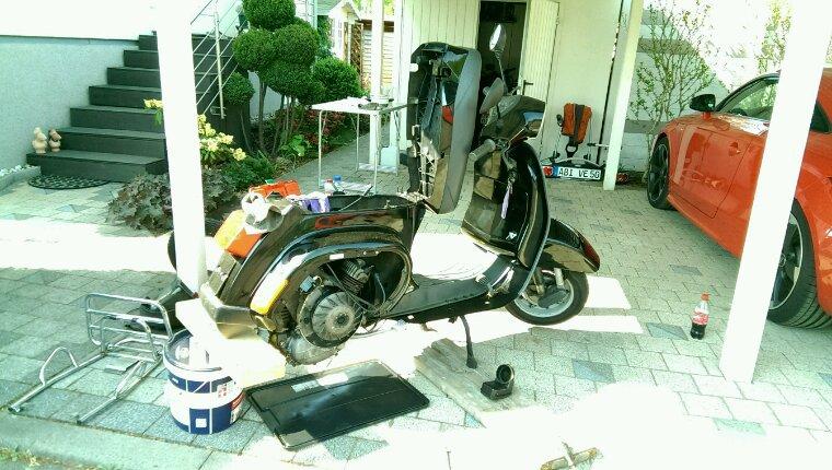 New moped is in da house... Vespa