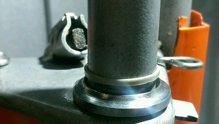 Peugeot 103... Encore une fourche à bricoler