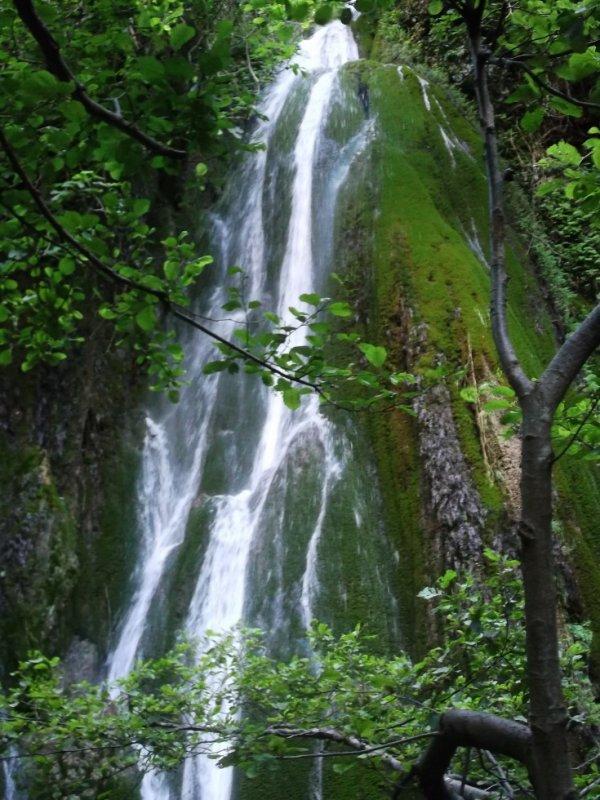 cascade de laalam village a bejaia