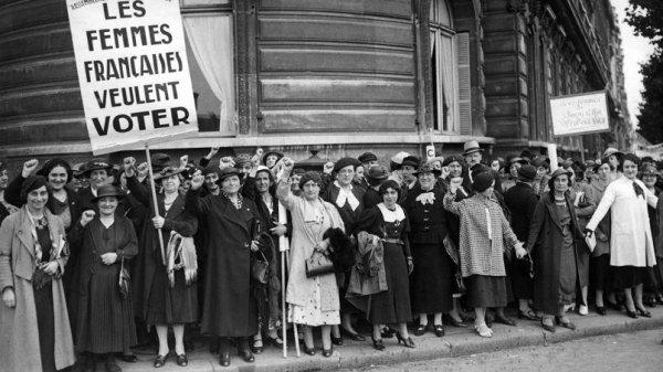 Le Droit de vote est accordé aux femmes en France