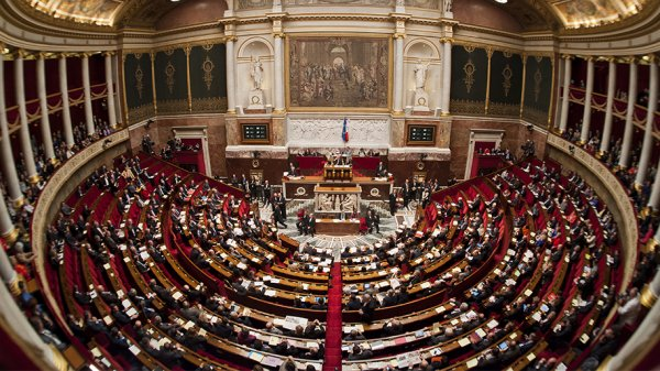 Chirac dissout l'Assemblée Nationale