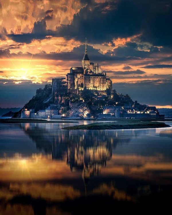 Le Mont Saint-Michel (France)