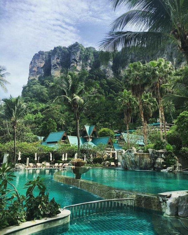 La piscine de Krabi en Thaïlande ...