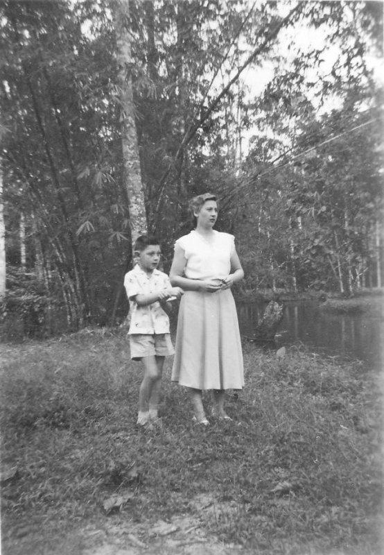 Ma mère et moi en 56 au Banco