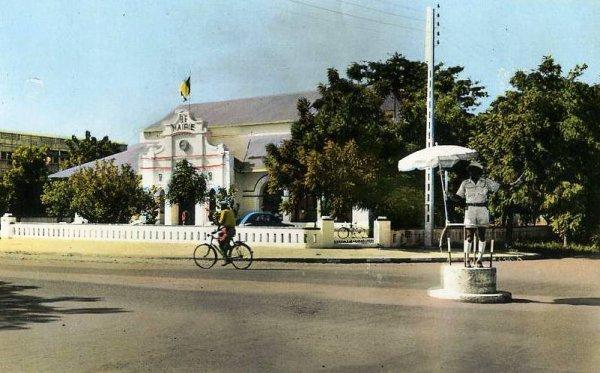 Et aussi, la cathédrale, la poste, la mairie.......