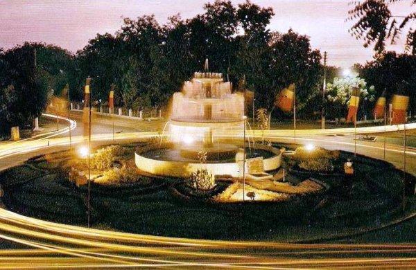 N'djaména, la fontaine à différentes époques