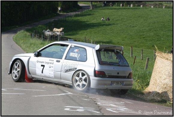 ... pour acheter la Clio A7K (photos ci-contre) de Pascal GAUTIER.