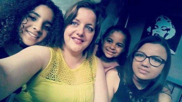 tout le monde a bien grandi, Leïna a aujourd'hui 15ans, Mahalia 13ans et Laïanne 7ans . mes petites princesses sont toujours mes merveilleux joyaux qui m'aident a avancer dans la vie