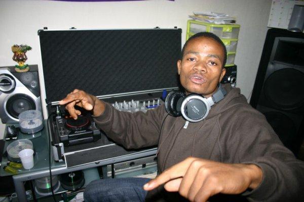 DJ saignan sur les platines