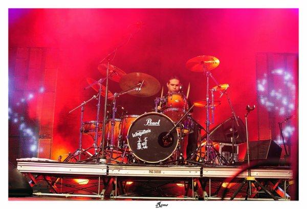 Batteur de Louis Bertignac pour l'album grisly et sa tournée