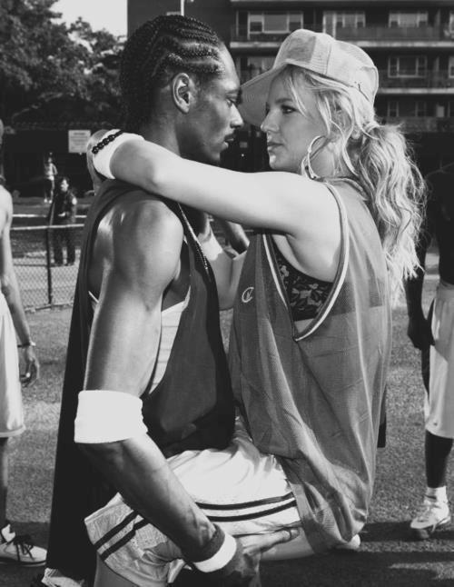 Le charme d'un homme n'est pas son physique, c'est tout simplement l'importance qu'il donne à la femme qu'il aime ♥
