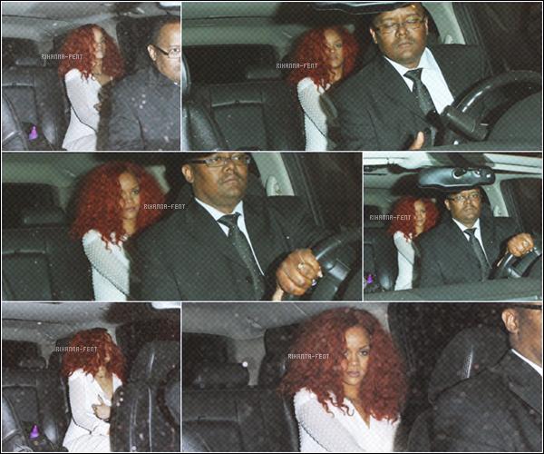 . 24/04/11 ~ Rihanna quittant un restaurant italien après y avoir mangé avec des amis à Los Angeles. Les rumeurs selon laquelle Rihanna et Usher aurait dû se retrouver à Los Angeles pour aller au restaurant sont bien fausses!  .