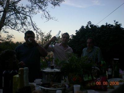 Le souper en famille et amis, toujours au mariage, lol mon homme toujours la bouteille dans la main, mdr t'était jolis à la fin de la soirée........