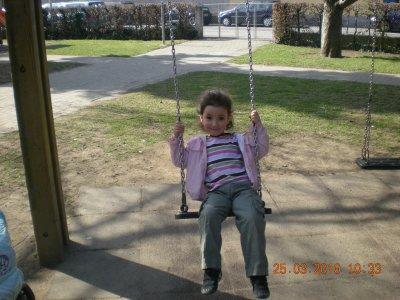 Voici Ana hier au parc...hihi