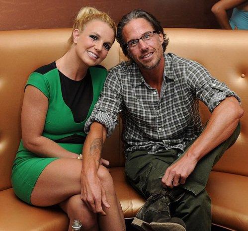 Britney est fiancée a Jason Trawick