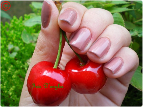 TEST: Vernis N°76 de chez MISS EUROPE
