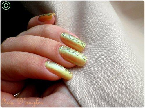 """Nail Art """"Enchainement de coeurs"""" (l)"""