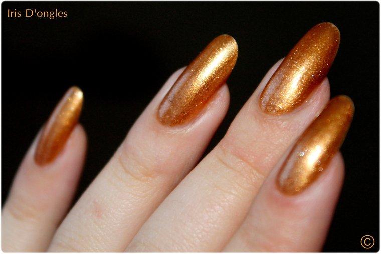 Mimie Cristal, est une nana en or.