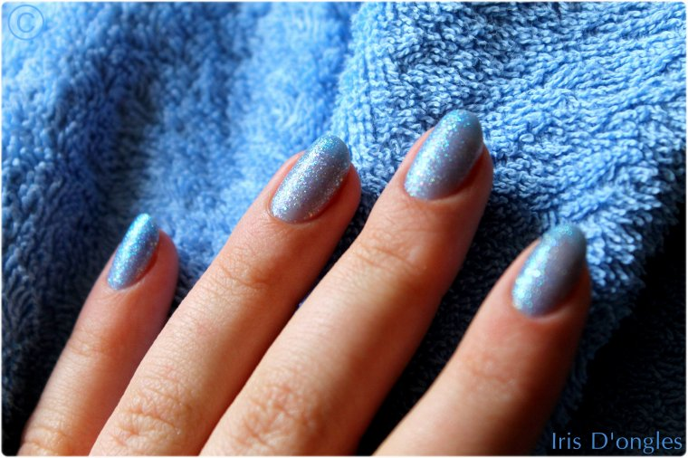 "Test: Vernis N°831 ""Hottie"" de chez Sinful Colors."