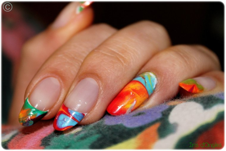 Nail Art: french manucure psychédélique (Water Marble)