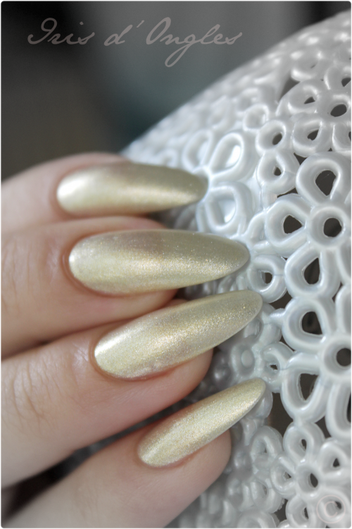 Test: vernis N°274 Gold Microglitter de chez KIKO !