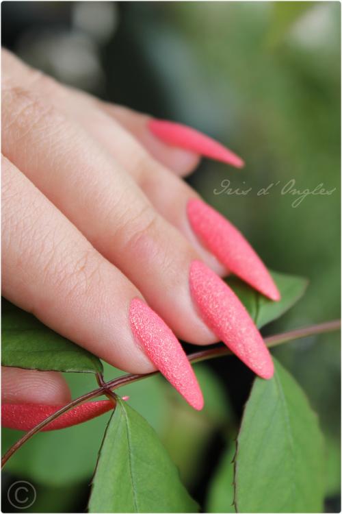 Double test: vernis N°643 Spring Green et N°641 Strawberry Pink de chez KIKO (Sugar Mat) !