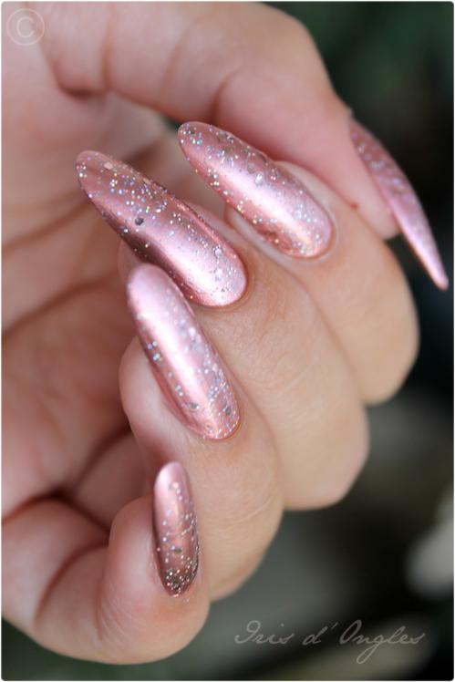 """Superposition: vernis de Licorne de chez Claire's sur N°629 """"Copper"""" de chez KIKO! (l) (l) (l)"""