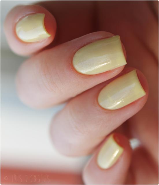 Test: vernis N°042 Sunshine Sparkle de chez Revlon (oui, encore Revlon) ! (l)