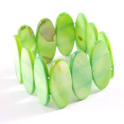 Bracelet en nacre véritable vert.....6 euros.  PROMO : 3 EUROS.