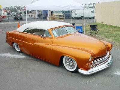 jadore ces ancienne voiture americaine une ancienne mercury trop belle blog de riderandgohst. Black Bedroom Furniture Sets. Home Design Ideas