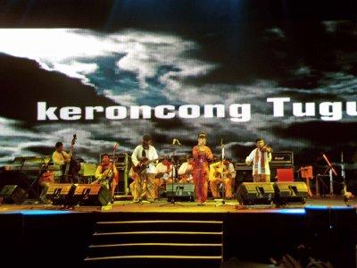 LIVE on ASEAN FAIR Nusa Dua BALI 16 November 2011