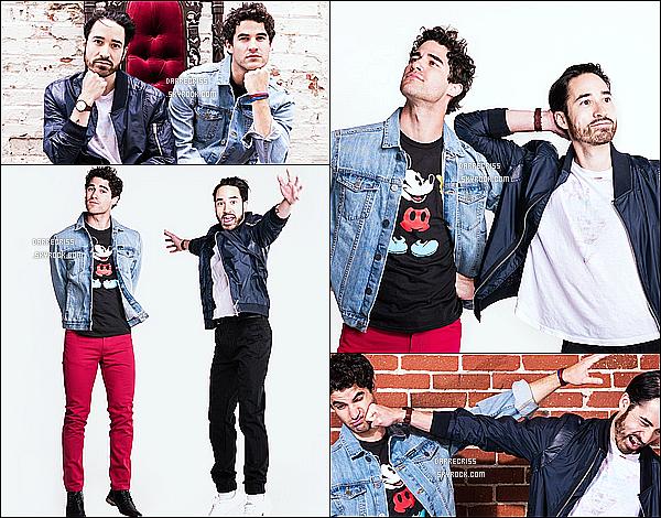 *  Voici un shoot de Darren avec son frère pour «Macy's IHeart Radio Rising Star» !  *