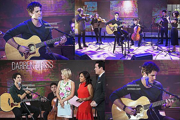 * 02/08/17 : Darren Criss était invité sur le plateau de l'émission « Today Show » qui se trouve dans New York. Darren a performé sur la scène de cette émission télévisée. Darren est très  beau. Il porte une tenue assez simple mais j'aime bien. Un Top pour moi  *