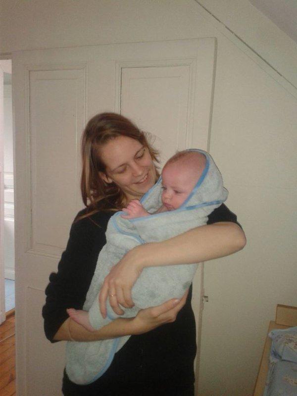 Ma petite fille avec mon arrière petit fils Kyllian
