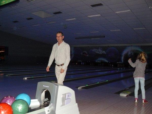 Encore un bon week end de passé....il a commencé vendredi soir avec l'anniversaire de mon amie Jeanne au bowling, samedi anniversaire de mon petit fils Maxim (1 an) et dimanche notre randonnée interclub