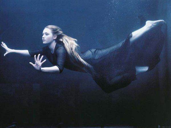 Kate Winslet en Apesanteur....