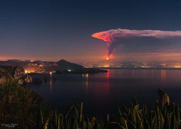 L' Étna vu des îles Ioniennes
