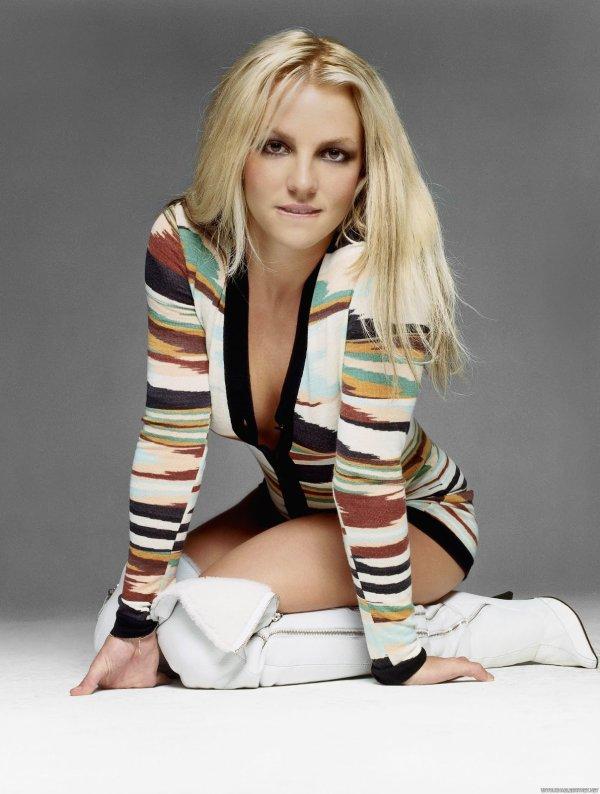 J'écoutais souvent Britney Spears quand j'étais adolescente. J'apprécie beaucoup ses quatre premiers albums !