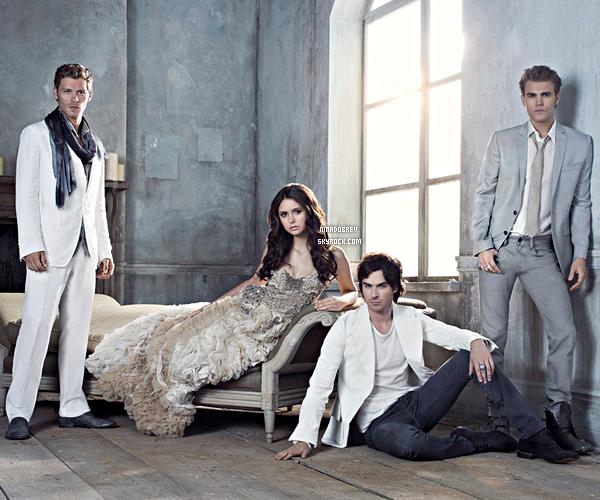"""Nouveaux posters de """"The Vampire Diaries"""" saison 3 + Sneak Peek Elena/Damon."""
