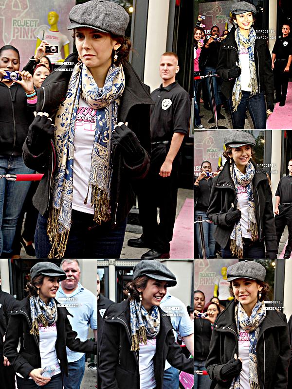 02.10.2011 | Journée chargée pour Miss Nina : au programme sortie dans NYC et Pink Project Day.