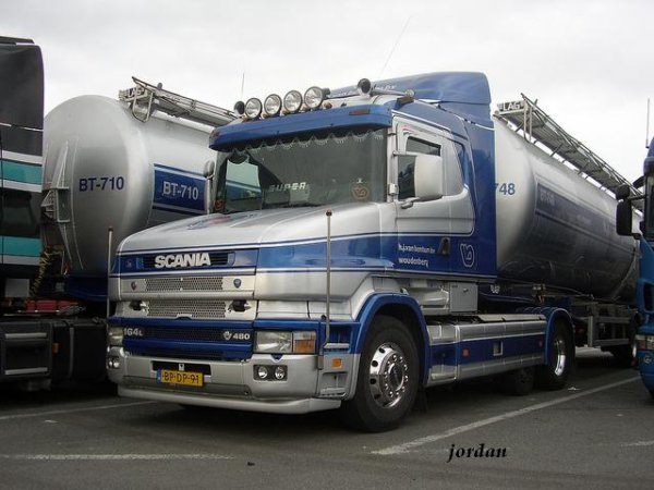 Scania 164L V8 480