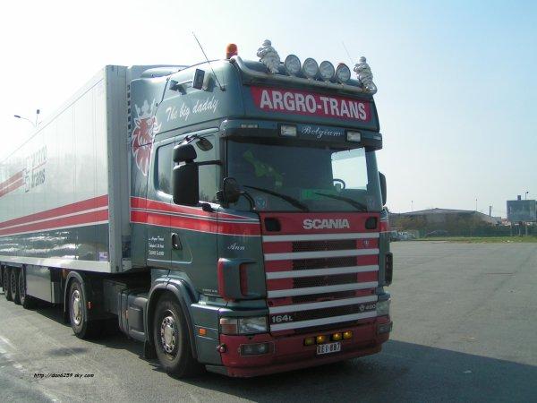 Scania v8 164L 480