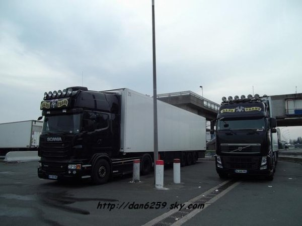 Scania R500 V8 & Volvo fh12 500 (photo rungis)