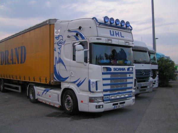 Scania 144L V8 530
