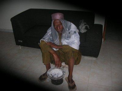 c'est mon oncle il vient du village