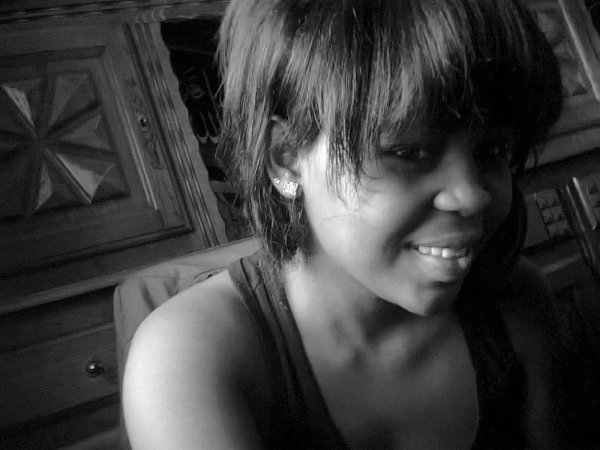 J'ai mal aux joues a force de faker des sourires pour quon pense que jvais bien! Voir