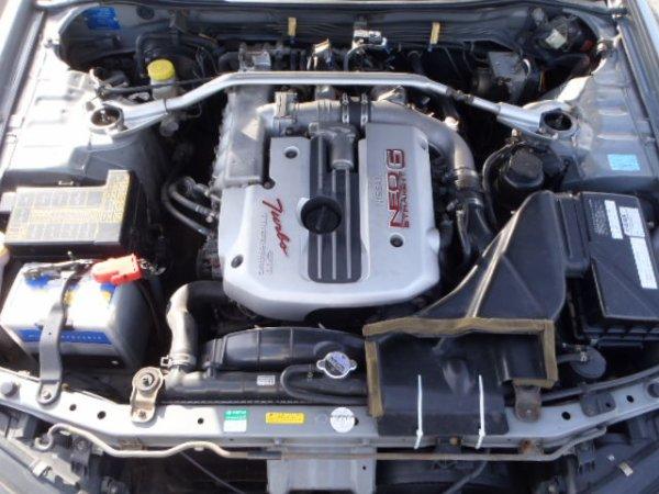 NISSAN SKYLINE R34 GTT COMMANDER ARRIVE PAR FERRIE