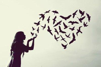 C'est en regardant le ciel que j'ai compris que je n'étais rien ; c'est en te regardant que j'ai compris que tu étais tout.