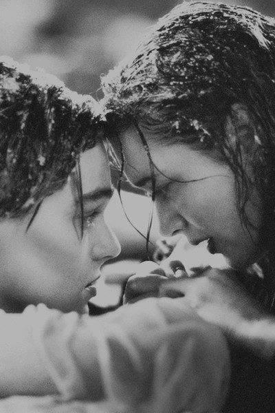 Avant de te rencontrer, je ne savais pas ce que c'était que de regarder quelqu'un et de sourire sans raison.